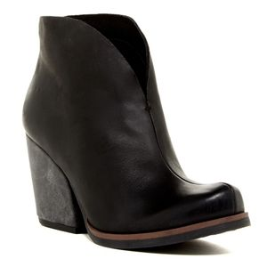Korks Shamira Black Leather Slip-On Booties 12